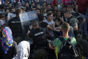 Djevdjelija-Makedonija-granica-grcka-аzilanti-migrant-emigranti-imigranti-vojska-policija-3-675x454